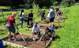 Ursinus students work on sustainability efforts during First Year Day of Service in August 2017.