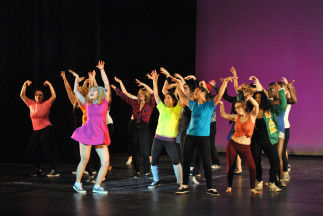 Students rehearse for the upcoming Airband Show.