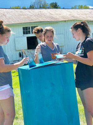 First year students helped at Sebastian Riding Center during Welcome Week Service 2019