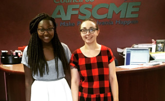 Rachael Carter (left), interning with AFSCME international union